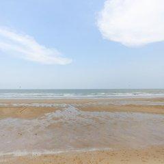 Отель KM Condo Seaside пляж фото 2