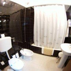 Отель Residencial Sete Cidades Португалия, Понта-Делгада - отзывы, цены и фото номеров - забронировать отель Residencial Sete Cidades онлайн ванная