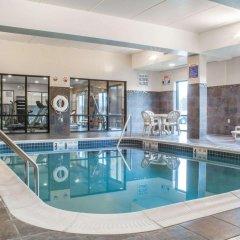 Отель Comfort Suites Cicero бассейн