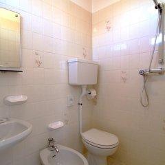 Отель Villa Tua Италия, Риччоне - отзывы, цены и фото номеров - забронировать отель Villa Tua онлайн ванная