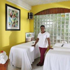 Отель Mangos Boutique Beach Resort сауна