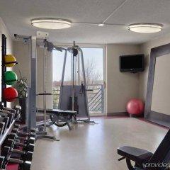 Отель Embassy Suites Minneapolis - Airport Блумингтон фитнесс-зал фото 2
