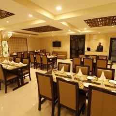 Отель Treebo Trend Blueberry Inn Индия, Райпур - отзывы, цены и фото номеров - забронировать отель Treebo Trend Blueberry Inn онлайн питание фото 3