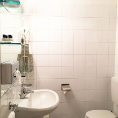 Отель Novotel Parma Centro Парма ванная фото 2