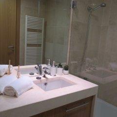 Отель Charming apartament - 2bedrooms & Garage Португалия, Лиссабон - отзывы, цены и фото номеров - забронировать отель Charming apartament - 2bedrooms & Garage онлайн ванная