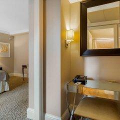 Отель Omni Berkshire Place США, Нью-Йорк - отзывы, цены и фото номеров - забронировать отель Omni Berkshire Place онлайн сейф в номере