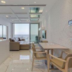 Отель Luxury Apt Ocean Views in Tigne Point, With Pool Мальта, Слима - отзывы, цены и фото номеров - забронировать отель Luxury Apt Ocean Views in Tigne Point, With Pool онлайн в номере фото 2