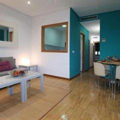 Отель Apartamentos Conde Duque DecÓ Испания, Мадрид - отзывы, цены и фото номеров - забронировать отель Apartamentos Conde Duque DecÓ онлайн комната для гостей фото 3