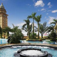 Отель Chateau Star River Guangzhou бассейн