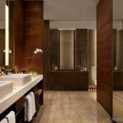 Отель Langham Xintiandi Шанхай ванная