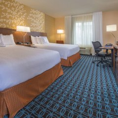 Отель Fairfield Inn & Suites by Marriott Frederick комната для гостей