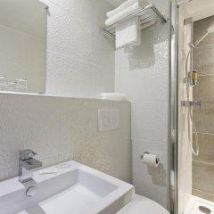 Отель Des Pavillons Париж ванная фото 2
