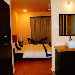 Отель Mamra Suites Goa Гоа сейф в номере
