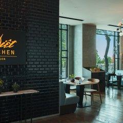 Отель Renaissance Riverside Hotel Saigon Вьетнам, Хошимин - отзывы, цены и фото номеров - забронировать отель Renaissance Riverside Hotel Saigon онлайн питание фото 2