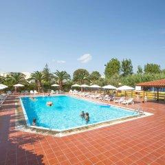 Отель Island Beach Resort - Adults Only бассейн
