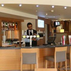 Отель Holiday Inn Express East Манчестер гостиничный бар