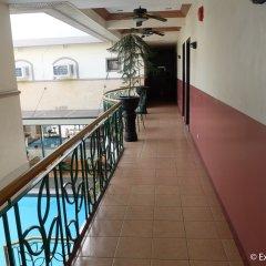 Отель DM Residente Resort Филиппины, Пампанга - отзывы, цены и фото номеров - забронировать отель DM Residente Resort онлайн балкон