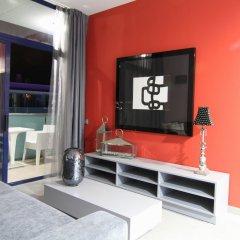 Отель Aparthotel Four Elements Suites Испания, Салоу - 1 отзыв об отеле, цены и фото номеров - забронировать отель Aparthotel Four Elements Suites онлайн комната для гостей фото 3