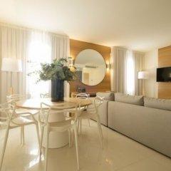 Отель Metropol Ceccarini Suite Риччоне комната для гостей фото 7
