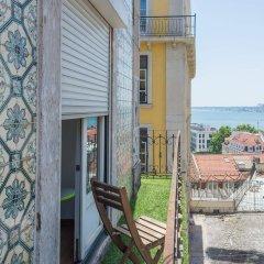 Отель Happy Reception Boutique Hostel Chiado Португалия, Лиссабон - отзывы, цены и фото номеров - забронировать отель Happy Reception Boutique Hostel Chiado онлайн балкон