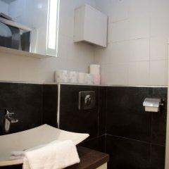 Апартаменты Montmartre Apartments Leo Ferre Париж ванная