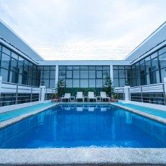 Erus Suites Hotel бассейн
