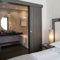 Отель Hôtel Le Canberra - Hôtels Ocre et Azur ванная
