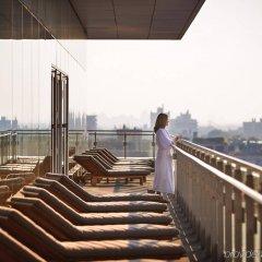Отель Four Seasons Hotel Toronto Канада, Торонто - отзывы, цены и фото номеров - забронировать отель Four Seasons Hotel Toronto онлайн балкон