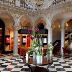 Отель The Ritz-Carlton, Hotel de la Paix, Geneva Швейцария, Женева - отзывы, цены и фото номеров - забронировать отель The Ritz-Carlton, Hotel de la Paix, Geneva онлайн интерьер отеля фото 2