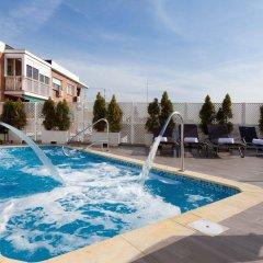 Hotel Ganivet бассейн фото 2