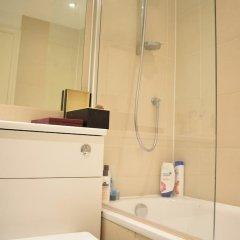Отель North London 2 Bedroom Flat With Roof Terrace Лондон ванная