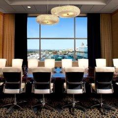 Отель Hilton San Diego Bayfront фото 2