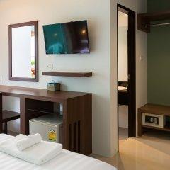 Отель Parida Resort сейф в номере