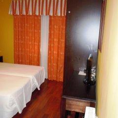 Hotel Husa Urogallo сейф в номере