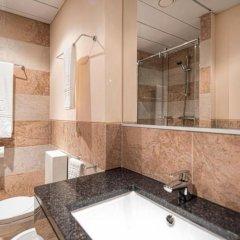 iu Hotel Luanda Viana ванная