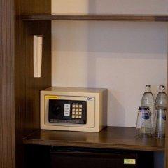 Chill Patong Hotel сейф в номере