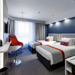 Гостиница Holiday Inn Express Moscow - Khovrino комната для гостей фото 5
