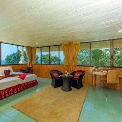 Отель Baan Karon Hill Phuket Resort