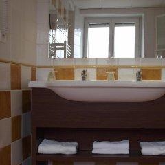 Отель Best Western Hotel de Paris Франция, Лаваль - отзывы, цены и фото номеров - забронировать отель Best Western Hotel de Paris онлайн ванная