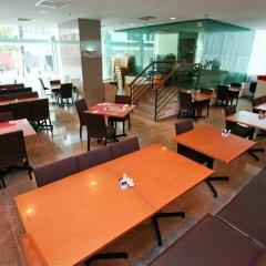 Hotel Royal @ Queens гостиничный бар