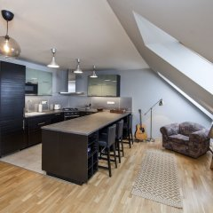 Апартаменты Spacious Treetop Apartment by easyBNB Прага в номере