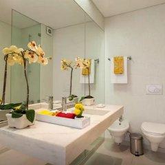 Отель Your Home in Palacio Santa Catarina Португалия, Лиссабон - отзывы, цены и фото номеров - забронировать отель Your Home in Palacio Santa Catarina онлайн ванная