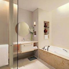 Отель Courtyard by Marriott Bangkok ванная