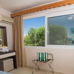 Апартаменты Brentanos Apartments ~ A ~ View of Paradise удобства в номере