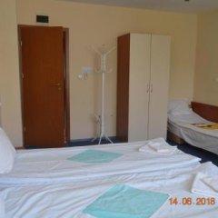 Отель Guesthouse Opal Болгария, Равда - отзывы, цены и фото номеров - забронировать отель Guesthouse Opal онлайн сейф в номере