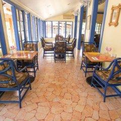 Отель Tobys Resort Ямайка, Монтего-Бей - отзывы, цены и фото номеров - забронировать отель Tobys Resort онлайн интерьер отеля фото 2
