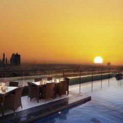 Отель Park Regis Kris Kin Hotel ОАЭ, Дубай - 10 отзывов об отеле, цены и фото номеров - забронировать отель Park Regis Kris Kin Hotel онлайн приотельная территория фото 2