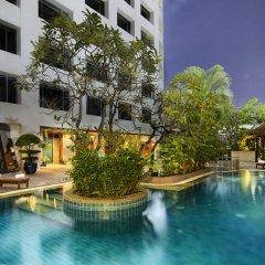 Отель AVANI Atrium Bangkok Таиланд, Бангкок - 4 отзыва об отеле, цены и фото номеров - забронировать отель AVANI Atrium Bangkok онлайн бассейн