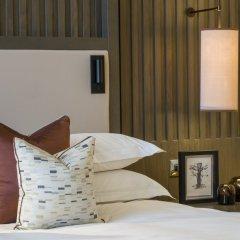 Отель LOWRY Солфорд сейф в номере