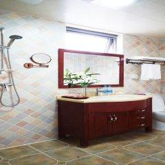 Отель Garden Inn Beijing Китай, Пекин - отзывы, цены и фото номеров - забронировать отель Garden Inn Beijing онлайн ванная